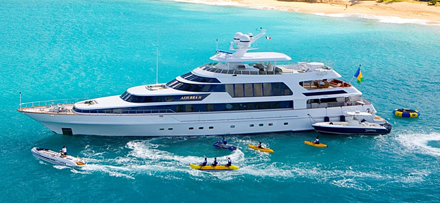 4 Compelling Reasons To Charter A Yacht On Your Vacation