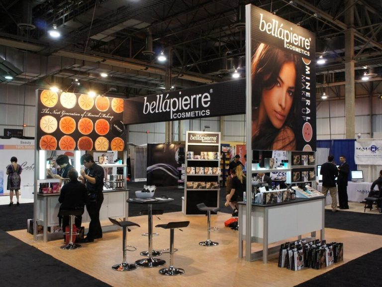 Creating High-Impact Banners for Your Booth